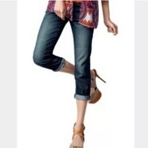 Cabi denim Johnny cropped capris.  4